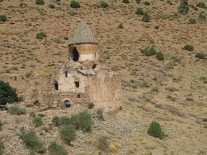 Karmravank (Vaspurakan) - Image: Karmravank Armenian monastery (Lake Van) another view