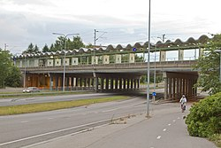 Kehä 1 and Pukinmäki railway station.jpg