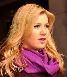 Kelly Clarkson American singer, actress