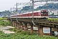 Kintetsu 1400 series 1508F crossing Yamato River, Kashiwara, Osaka pref 2017-09-20 (28179412659).jpg