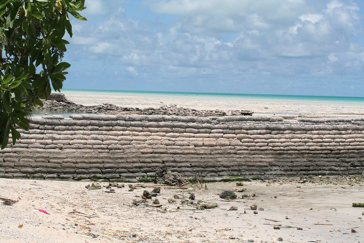 Kiribati 2009. Photo- Jodie Gatfield, AusAID (10706828426).jpg