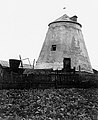 Kupiškio, Dariaus ir Girėno g., vėjo malūnas iš vakarų apie 1936 m. J.Strinskio nuotr. ( J.Miškinis. Vidurio Lietuvos miestai ir miesteliai.2009 m. p.239 pav.474).jpg