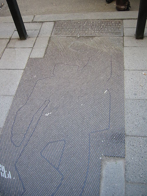 Monument to Kurt Eisner on the sidewalk where he fell when he was assassinated in Munich Kurt eisner monument.jpg