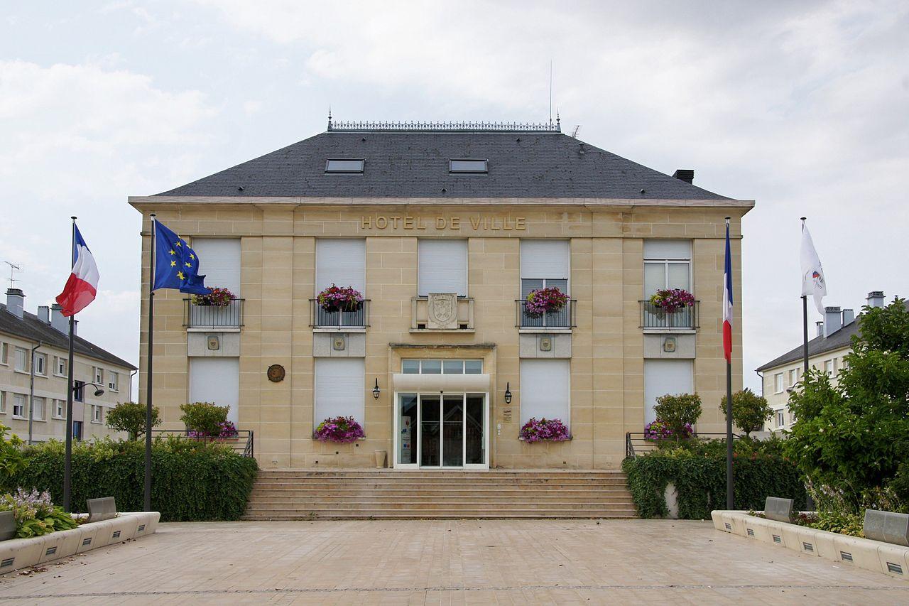 La mairie de Saint André Les Vergers (10).jpg