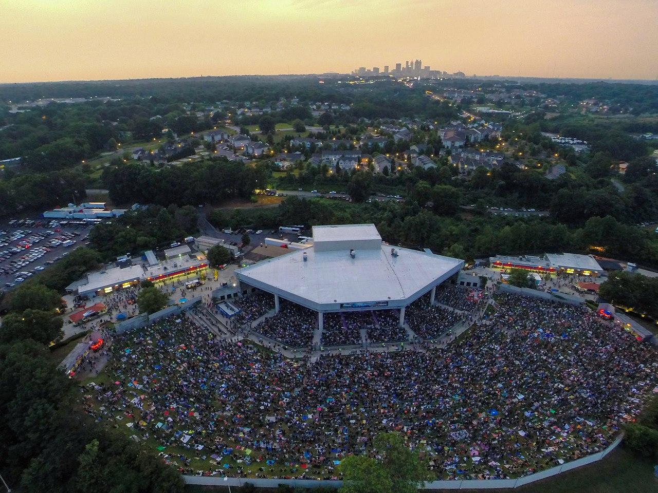 1280px-Lakewood_Amphitheater.jpg