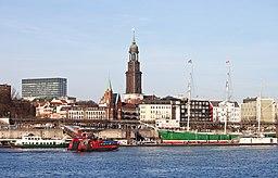 Elbe, Landing Stages und St. Michael's Church in Hamburg, Germany