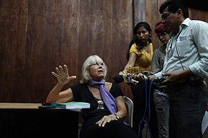 """Marta Harnecker - Image: Lanzamiento del libro """"Ecuador una nueva izquierda en busca de la vida en plenitud"""" de Martha Harnecker (6053417074)"""