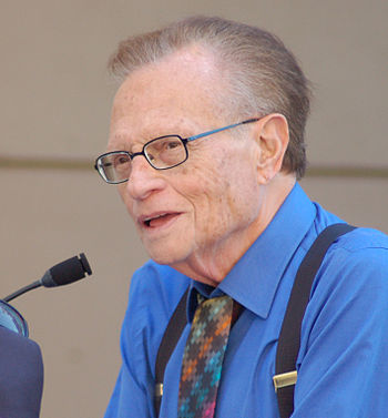 English: Larry King attending a ceremony for B...