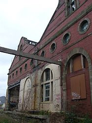 Last days of the old Shrubhill tram depot (geograph 1839317).jpg