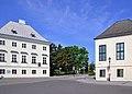 Laxenburg Doktorhaus und Kloster der barmherzigen Schwestern.jpg