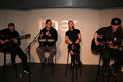 Leaves Eyes 20070404 Fnac 23.jpg