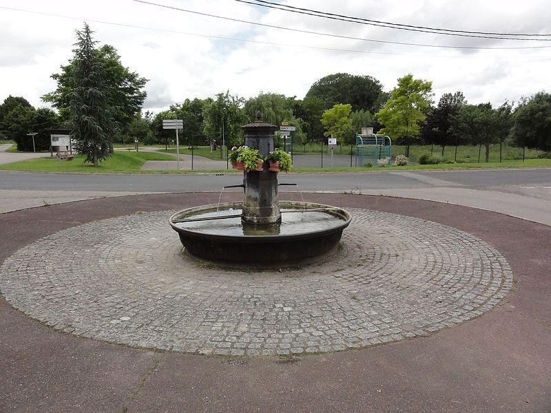 Lemainville(M-et-M) fontaine sur rond-point