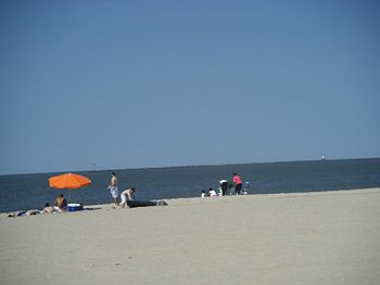 English: A view of Lewes Beach on the Delaware...