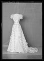 Liv som Tillhört drottning Victoria, buren vid H.H.H Kronprins Gustav Adolfs bröllop i England i juni 1905. - Livrustkammaren - 52865.tif