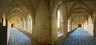 320px-Loire_Maine_Fontevraud1_tango7174 dans EGLISES DE FRANCE