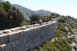 Loryma - Image: Loryma Citadel wall section, 6 Jun 2013