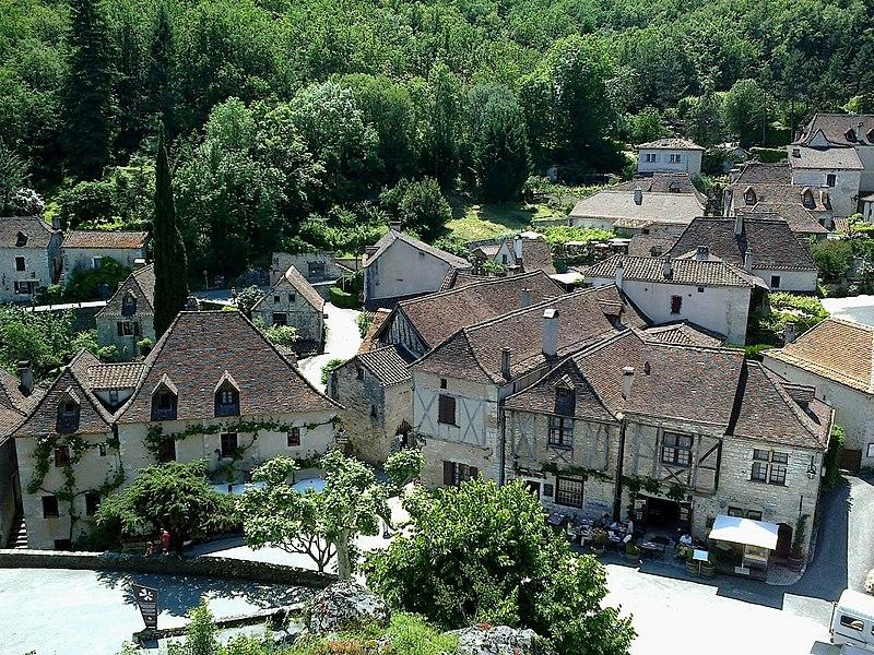 File:Lot Saint-Cirq-Lapopie Chateau Vue Sur Le Village 29052012 - panoramio (1).jpg