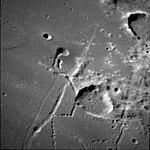 Lubbock H crater AS11-42-6309.jpg