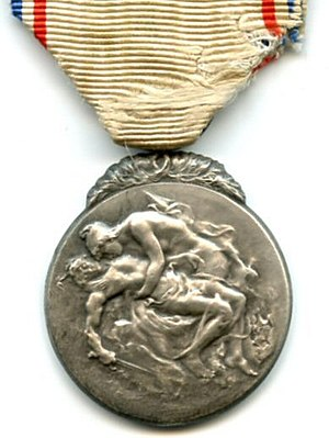 Medal of French Gratitude - Type 1 silver grade award (obverse)