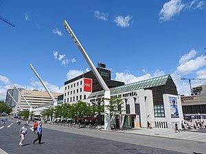 Musée d'art contemporain de Montréal - The museum seen from Place des Festivals plaza