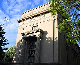 Campus of the Massachusetts Institute of Technology - Frieze on Building 2 dedicated to Newton
