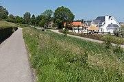 Maassluis, straatzicht de Weverskade achter het Zwaluwflat foto8 2016-06-06 13.36.jpg