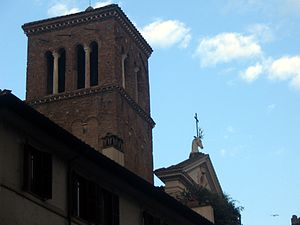 Sant'Eustachio - Campanile and the pediment with a deer head with a cross between the antlers