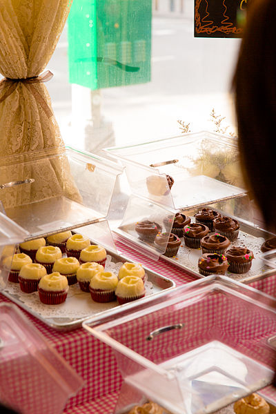 File:Magnolia Bakery, 401 Bleecker Street, New York, NY 10014, USA - Jan 2013 E.JPG