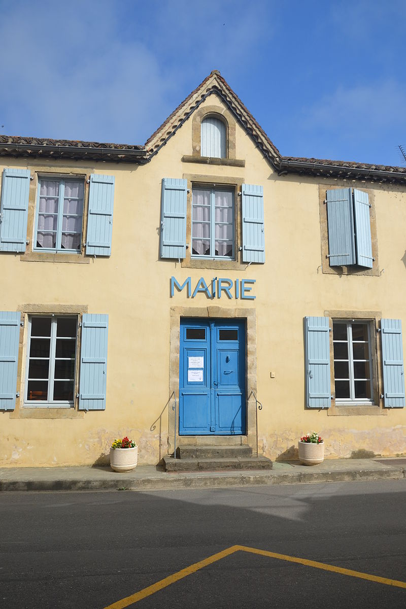 Mairie de Tasque.JPG