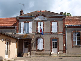 The town hall in Maisons