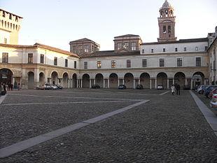 Piazza Castello e il campanile di Santa Barbara nel Palazzo Ducale