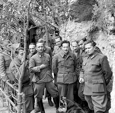 Tito längst till höger, 1944.