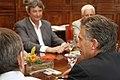 Mauricio Macri firmó convenio con Intendentes de Córdoba y Santa Fé (8182777808).jpg