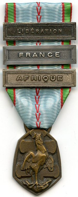 "1939–1945 Commemorative war medal (France) - 1939–1945 Commemorative war medal  with clasps ""LIBERATION"", ""FRANCE"" and ""AFRIQUE"""