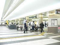 Meguro-eki-2005-4-6 1.jpg