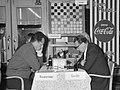 Mensenredder eregast bij de vijfde ronde wereldkampioenschap dammen te Amsterdam, - Nationaal Archief - 911-6838.jpg