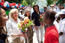 Мишель Обама и Джилл Байден на Гаити 2010.jpg
