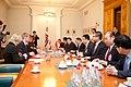 """Ministru prezidents Valdis Dombrovskis tiekas ar pasaules vadošo telekomunikāciju risinājumu ražotāja """"Huawei Technologies Investment"""" vadību (6429647549).jpg"""