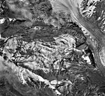 Mount Spurr, mountain glaciers, bergschrund and icefall, September 22, 1992 (GLACIERS 6892).jpg
