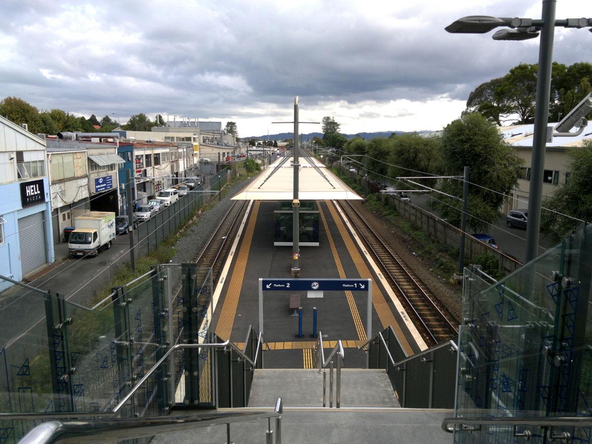 City Line Avenue >> Mount Albert railway station - Wikipedia