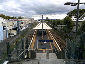Mt Albert Railway Station, May 2014.jpg