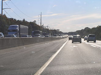 Interstate 95 in New Jersey - I-95/New Jersey Turnpike southbound past exit 8 in East Windsor Township in October 2006
