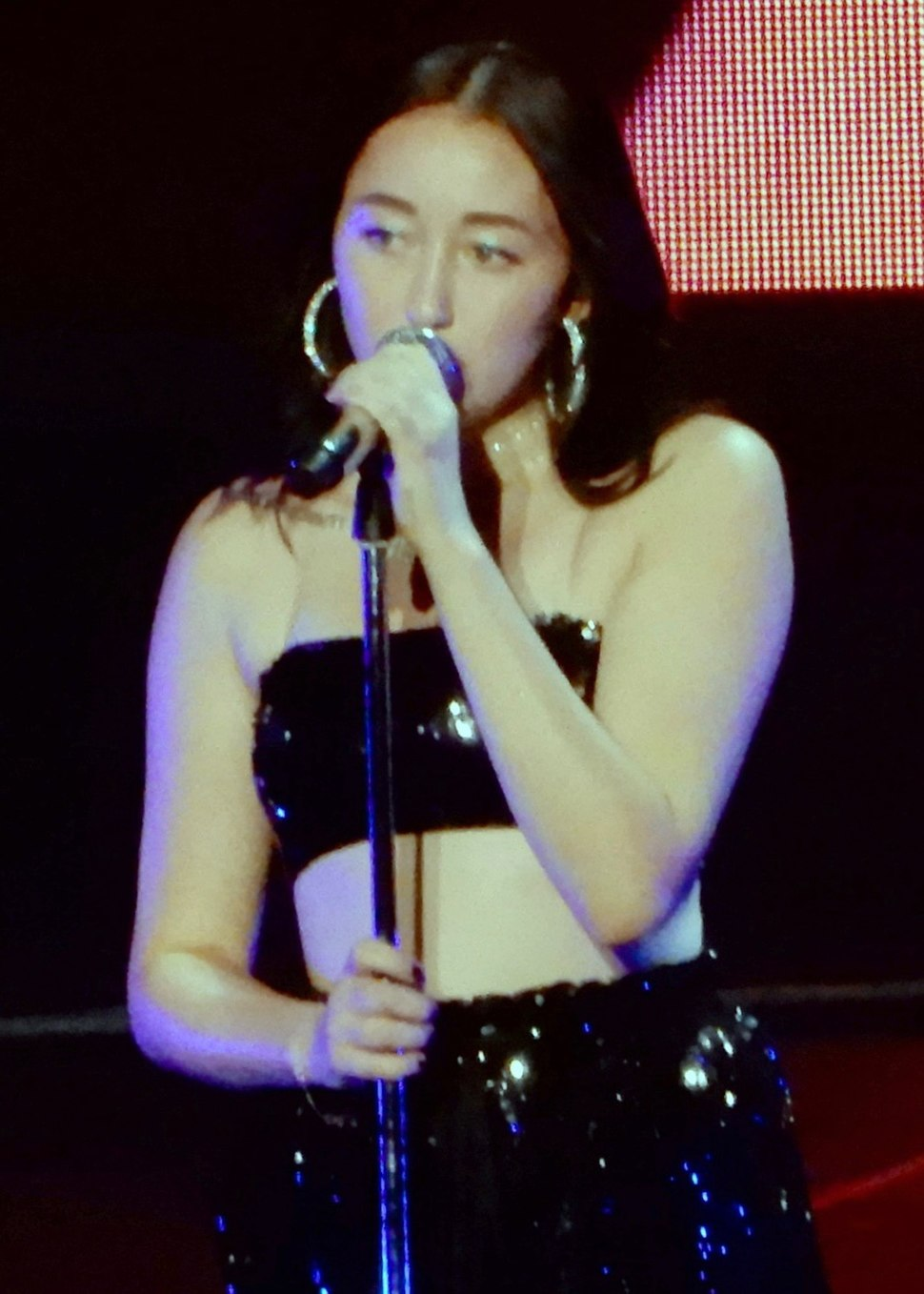 Noah Cyrus MSG (01) cropped