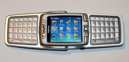 Nokia e70 auki.jpg