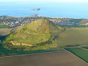 North Berwick Law from the air - geograph.org.uk - 1057128.jpg
