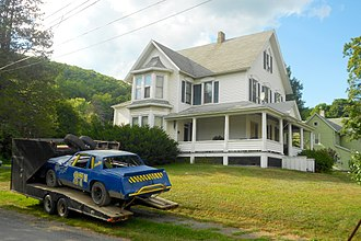 Oakland, Susquehanna County, Pennsylvania - House and stock car