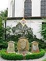 Oberzell Friedhof Pfarrergrab.jpg