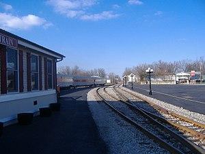 Old L & N Station - Image: Old L & N Station Bardstown rails