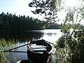 Old boat at lake - panoramio.jpg