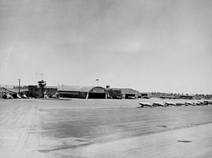 Orange County Airport, circa 1950.jpg